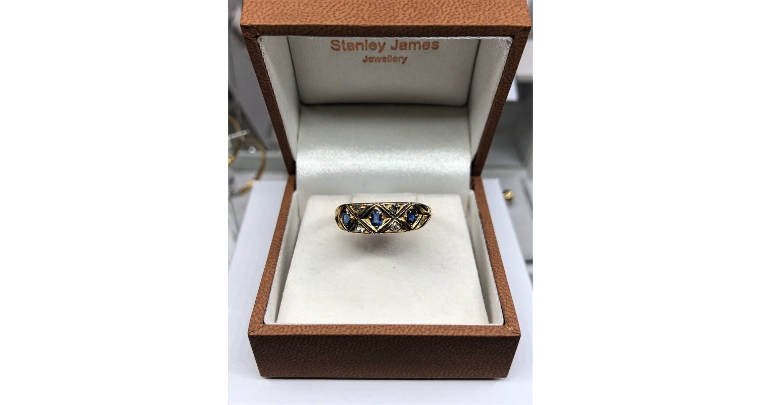 18ct Yellow Gold 1920 Sapphire & Diamond Ring